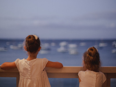 Flowergirls. Boats. Reception in Sorrento.